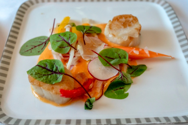 Singapore Air - Seared Scallops with Pumpkin Apricot Puree - Sta